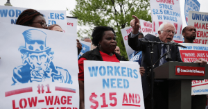 Sanders Campaign Limiting Staffer Hours in Order to Pay $15 Minimum Wage