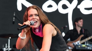 Maggie Rogers sexually harassed onstage while she was performing