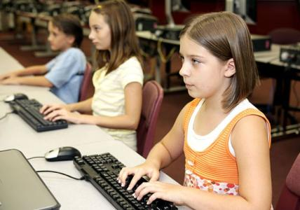 School districts suspend online FCAT after glitches