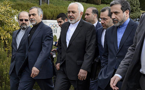"""Media aide to Iran's president defects in Lausanne, says """"US negotiating team mainly there to speak on Iran's behalf"""""""