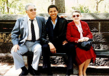 Family pictures of young Barack and Michelle Obama are fake