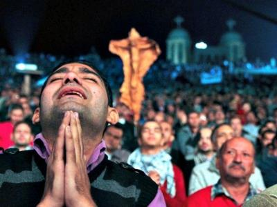 ISIS IS 'BEHEADING, RAPING, SELLING' CHRISTIANS WHILE OBAMA DOES NOTHING, JUSTICE GROUP ASSERTS