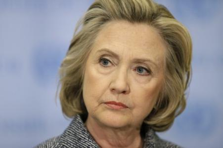 Clinton Email Scandal Threatens to End Her Presidential Bid