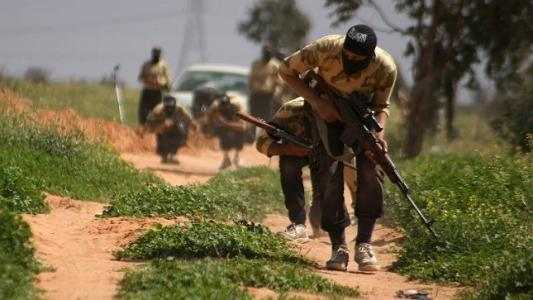 US-trained Syrian rebels gave weapons to al Qaeda, Pentagon admits