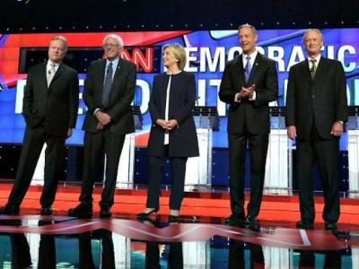 Democrats Crash Off the Rails: Hillary an 'Outsider,' Bernie Wants a 'Revolution'
