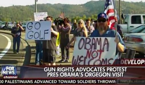 "HUNDREDS TURN OUT to Protest Barack Obama in Oregon ""Go Golf!"" (VIDEO)"