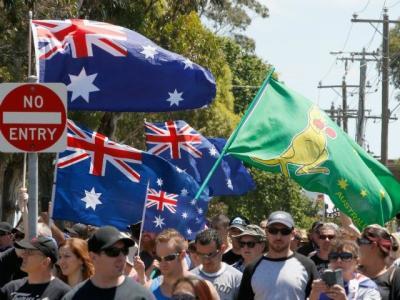 Australia rallies