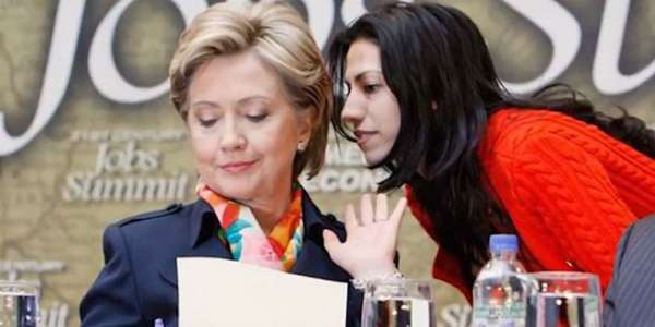 THE TRUTH ABOUT HILLARY CLINTON'S EMAIL CONTROVERSY