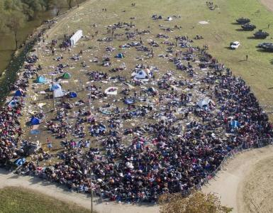 Thousands of MUSLIM MIGRANTS 'disappear' from camps