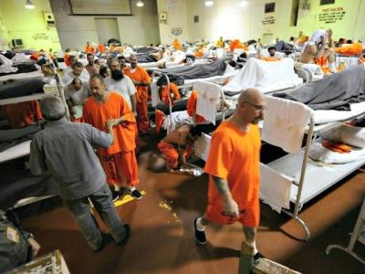 OBAMA Releasing Nearly 6,600 Federal Inmates Starting this Weekend