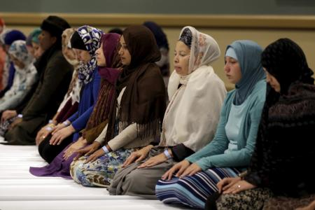 muslims-in-prayer