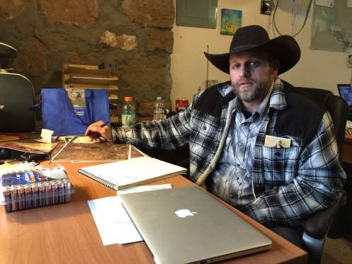 Ammon Bundy urges protesters to leave refuge