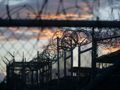 Obama Frees 10 Guantánamo Detainees in Largest Recorded Single-Day Release