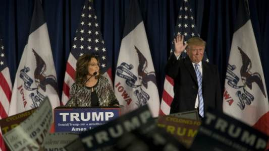 Trump lands Palin endorsement