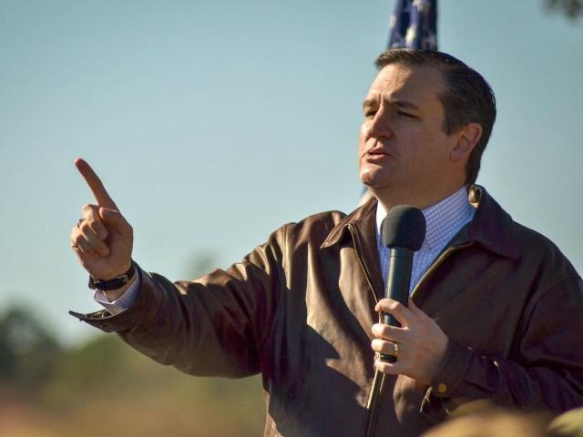 "Uncompromising Cruz Embraces ""Abrasive"" Image"