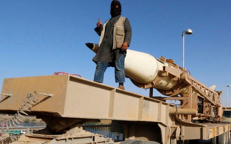 Exclusive: Whistleblowers Warned Top Spy About Skewed ISIS Intel