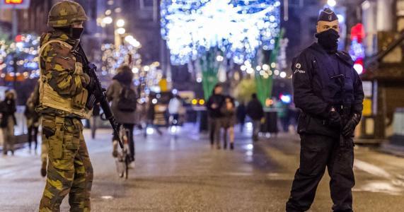 635838153206035526-AP-Belgium-Paris-Attacks