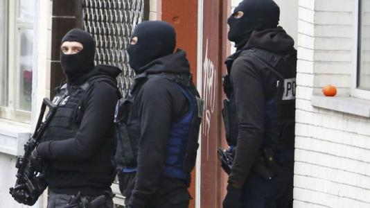 Paris attacks suspect's 'bomb factory' found in Brussels