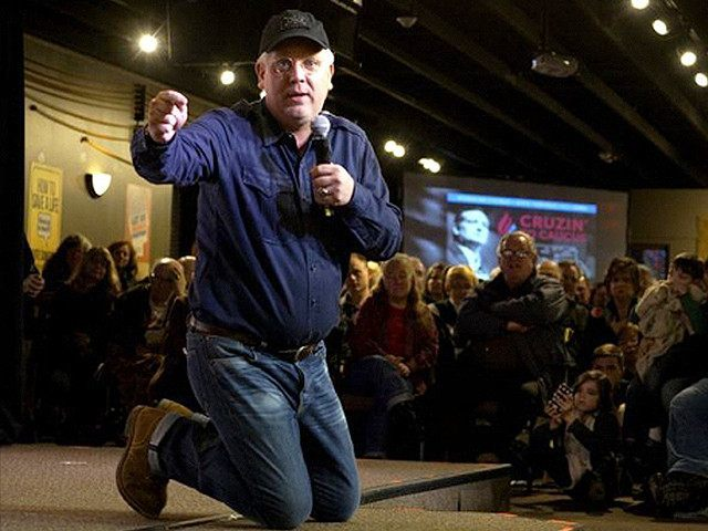Glenn Beck Begs Rubio and Carson to Quit Race, Suggests Cabinet Posts in Cruz Administration