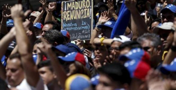 21st Century Socialism Brings No Toilet Paper, TV, Or Long Distance Phone Service To Venezuela