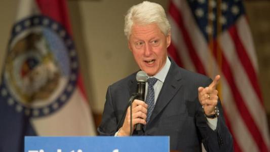 Bill Clinton slams Obama foreign policy – WATCH
