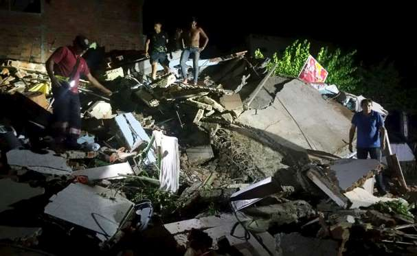 Earthquake kills 233 in Ecuador, devastates coast zone
