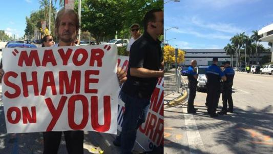 cuban+consulate+protesters