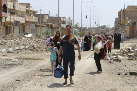 iraqi-civilians-flee