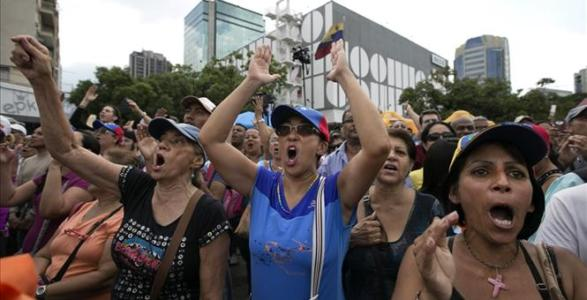 Venezuelan Socialism: Two-Day Workweeks, No Supplies, And A Government So Broke It Can't Pay For Its Own Currency