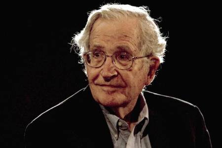 U.S. linguist and philosopher Noam Chomsky pauses while addressing the audience at the National Autonomous University's Educational Investigation Institute (UNAM) in Mexico City September 21, 2009. REUTERS/Jorge Dan (MEXICO POLITICS) - RTR284R6