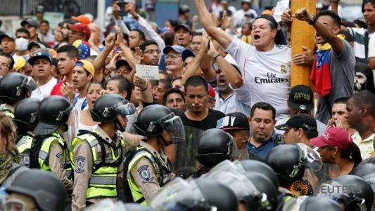 Venezuela protests mark challenge to Nicolas Maduro