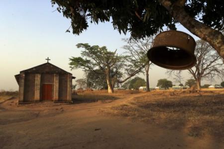 uganda-village-church