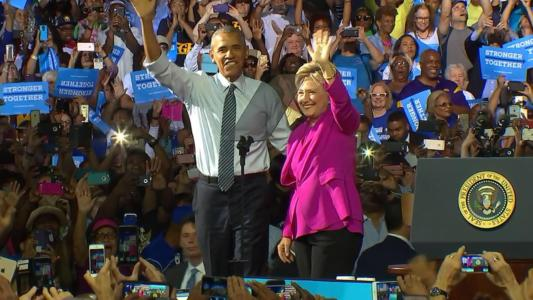 Hours after FBI announcement, Obama does the UNTHINKABLE for Hillary on stage…