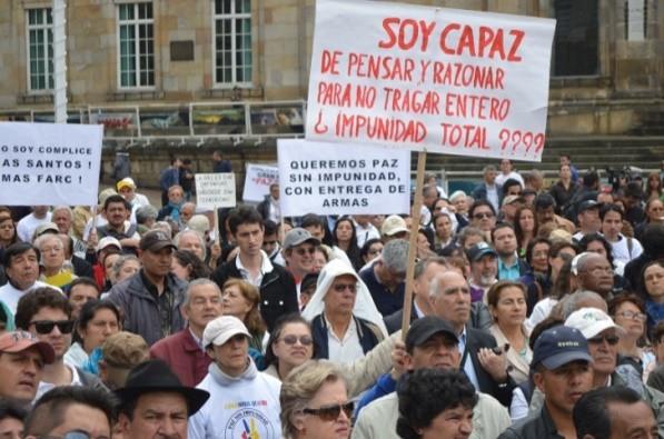 Protesta contra Juan Manuel Santos y sus diálogos con FARC (Foto Periodismo Sin Fronteras)