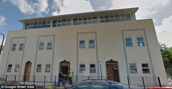 """Leaflets: """"KILL THOSE WHO INSULT ISLAM"""" Found at London Mosque"""