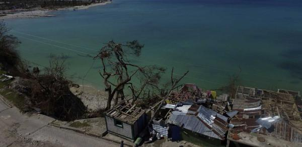 LATEST: 19 People Confirmed Dead In US Following Hurricane Matthew Destruction. 900 Killed In Haiti.