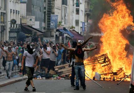 paris-riots-it