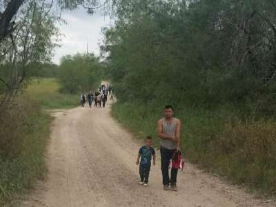 PHOTOS: Flood of Illegal Immigrants Continues at Texas Border