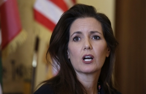 Oakland Mayor's home vandalized just before she votes 'no' on defunding the police