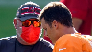 Buccaneers' Bruce Arians, NFLPA exec DeMaurice Smith trade barbs over value of protests