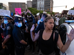 Judge Orders Detroit Police Not to Use Batons, Tear Gas Against Protesters for Two Weeks