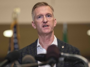 Rioters Loot Stores, Set Fires at Portland Mayor Ted Wheeler's Condo