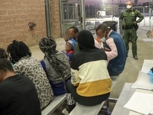 Second Wave of Haitian Migrants Arrive at West Texas Border
