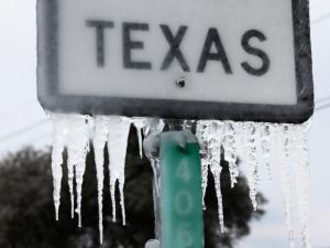 Arizona Man Goes to Texas to Repair Water-Damaged Homes