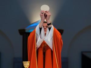 Richard Dawkins: Catholic Belief in the Eucharist Is 'Madness'