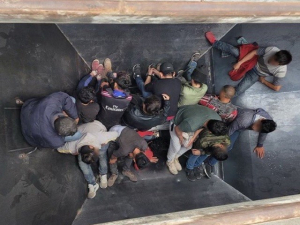 25 Migrants Found Packed in Railcars near Border in Texas