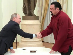 Actor Steven Seagal Joins Pro-Kremlin Party, Proposes Tougher Laws for Russian Businesses