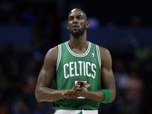 Kevin Garnett Blasts Kyrie Irving for Stomping Celtics' Logo After Nets Win