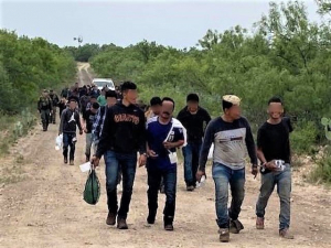 Biden May End Title 42 Allowing Feds to Remove Migrants amid Pandemic by July
