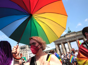 Berlin Gay Pride: Man With Rainbow Flag Has Jaw Broken by Men of 'Southern Appearance'